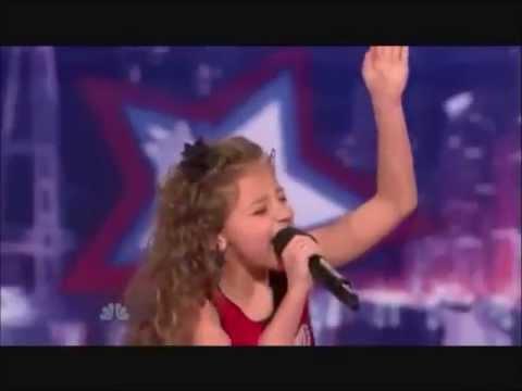 Trzy 9-lati śpiewają piosenkę Justina Biebera