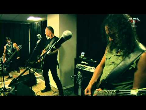Metallica - EXCLUSIVE - Backstage - Tuning room  HQ - 2009