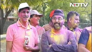 Holi celebration In delhi ncr Noida - NDTVINDIA