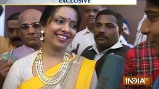 His hard work pays him says Davendra Fadnavis wife Amruta - INDIATV