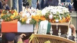 शहीद मेजर चित्रेश बिष्ट का अंतिम संस्कार - NDTVINDIA