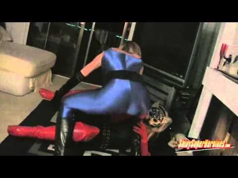 Super Heroines Fighting