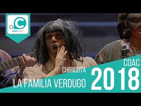 Sesión de Preliminares, la agrupación La familia verdugo actúa hoy en la modalidad de Chirigotas.