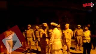 محافظا الإسماعيلية وقنا وقيادات الجيش يقرؤون الفاتحة على روح الأبنودي