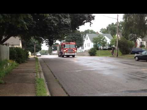 Minneapolis MN Fire Engine 12 Responding, 7/12/14 - *Code 3*