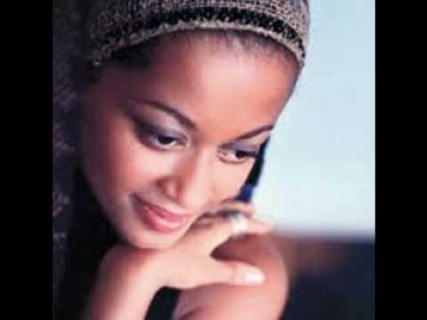 one love sara tavares (djeff afrozila remix)