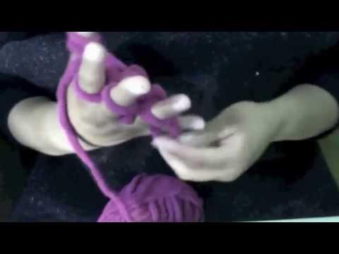 como tejer una bufanda con los dedos de la mano