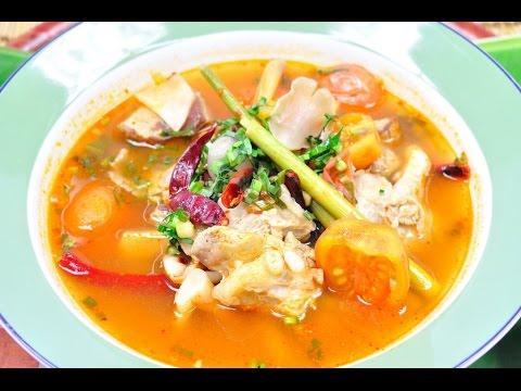 ต้มแซ่บซี่โครงหมูอ่อน Hot and Spicy Soup with Pork Ribs