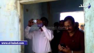 بالفيديو والصور.. شركة هندية تتفقد تجمع أجعوين بمطروح لإنارته بطاقة الشمسية