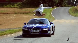 مغامر يقفز فوق اودي R8 مسرعة - سعودي شفت