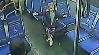 فيديو طفلة عمرها 4 سنوات تستقل حافلة بمفردها الساعة 3 صباحاً لسبب لن تتوقعه!