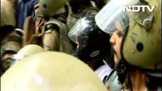 सबरीमालाः पुजारियों के विरोध से वापस लौटीं दो महिलाएं - NDTVINDIA