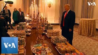 Trump Serves Burger, Fries, Pizza to Clemson Tigers at White House - VOAVIDEO