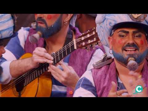 Sesión de Semifinales, la agrupación Los Geni de Cadi actúa hoy en la modalidad de Chirigotas.