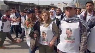 آلاف الأكراد يتظاهرون للإفراج عن عبدالله أوجلان