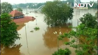 केरल में भारी बारिश से बाढ़, इस तबाही में अब तक 67 लोगों की मौत - NDTVINDIA