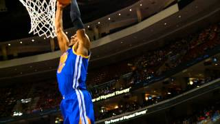 Iguodala Throws Down 60 Foot Alley Oop From Curry