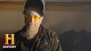 Truck Night in America: Meet Bender | History - HISTORYCHANNEL