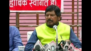 Ramdas Athawale makes thoughtless remark, says I'm a minister, not affected by fuel prices - NEWSXLIVE