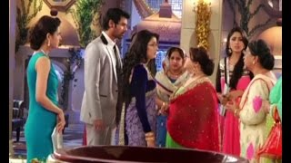 Kumkum Bhagya : Abhi insults Pragya - BOLLYWOODCOUNTRY