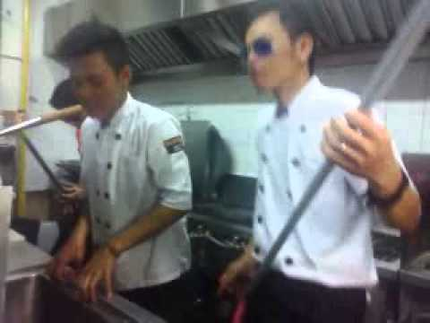 Menunggumu by crew kitchen
