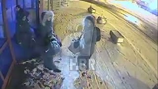 بالفيديو .. ظهور البريطانيات الثلاث بمحطة حافلات تركية قبل السفر إلى سوريا