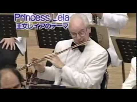 John Williams conducts Princess Leia's Theme (Star Wars)