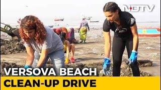 Anusha Dandekar & Saiyami Kher Join 'Versova Clean-Up Drive' - NDTV