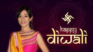 Amrita Rao celebrates Diwali with zoom | Bollywood News