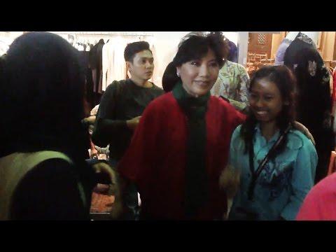 Anne Avantie, Julia Perez & Titi Rajo Bintang Meet Fans @ Indonesia Fashion Week 2015
