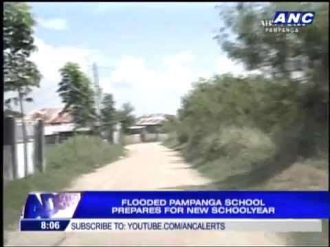 Flooded school giving life vests to students