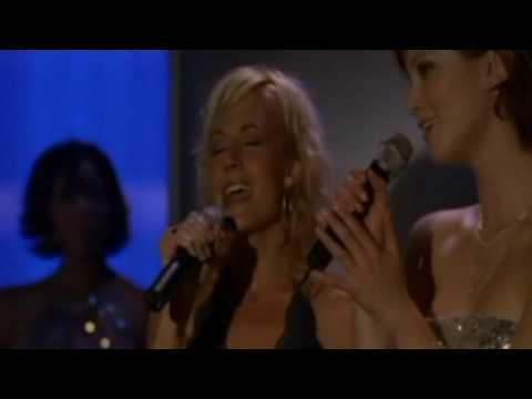 Delta Goodrem Ft. Nikki Deloach - To Love Somebody Duet @ North Shore 2004