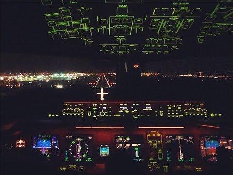 Cockpit view - KLM Boeing 777-200 Night landing in Johannesburg HD