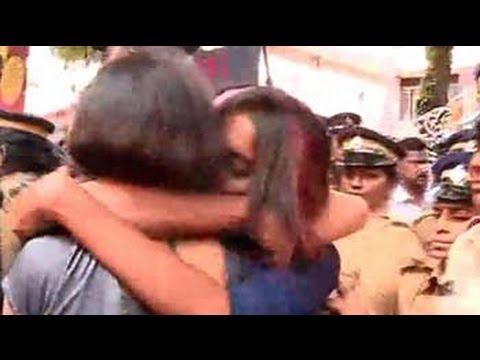 No happy ending for Kerala's 'kiss of love', police pick up 50 participants