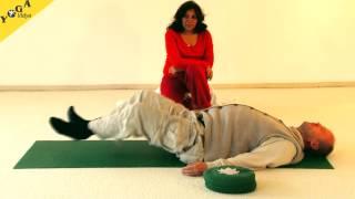 Knie Yoga Übungen mit Dr. Nalini Sahay