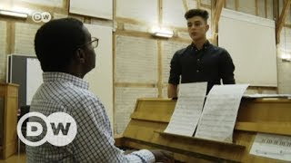 Musical builds bridges between refugees and German teens | DW English - DEUTSCHEWELLEENGLISH