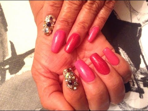 Uñas Acrilicas: Hot Pink Design (un retoque muy fasil y rapido!)