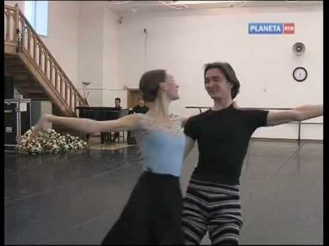 La Bayadere - Anna Tikhomirova and Olga Smirnova - Bolshoi Ballet 2012