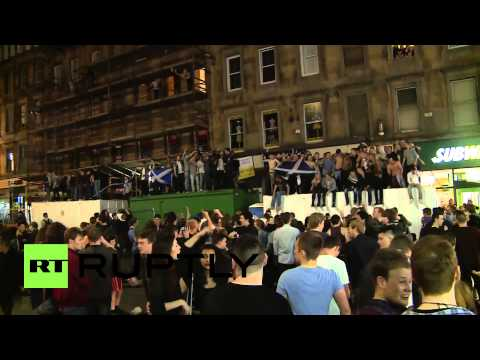 UK: Glasgow goes gaga as it votes 'yes' for Scottish independence