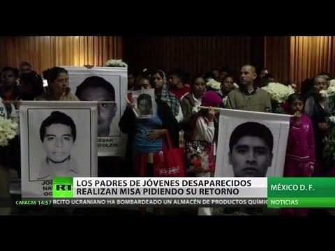 Los padres de los jóvenes desaparecidos en México celebran una misa para pedir su retorno