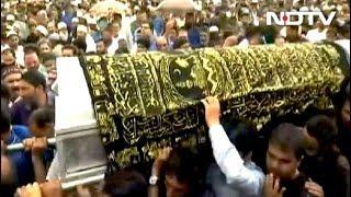 पत्रकार शुजात बुखारी की हत्या, सुपुर्द-ए-खाक में उमड़ी भीड़ - NDTVINDIA