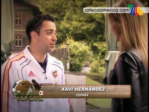 Xavi Hernandez jugador Español habla con Ines Sainz