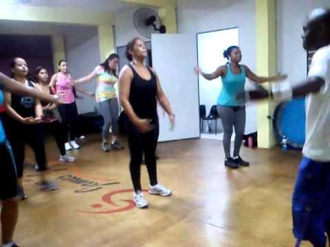 Zumba Ftiness - Academia de Dança James Justin, Instrutor Fabio Amaro