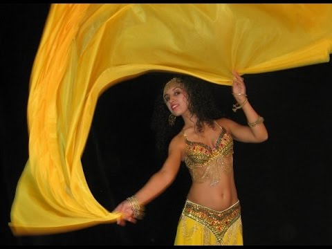 belly dance veil technique: one shoulder turn and switch