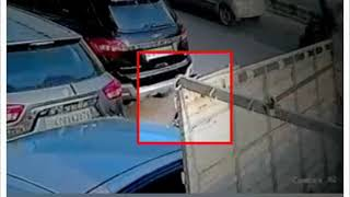 Video: Bike theft from Moti Nagar in New Delhi, incident captured in CCTV - NEWSXLIVE