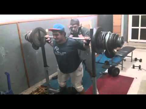 17 years old lift 200 k.g. Squat ( 441 lb )