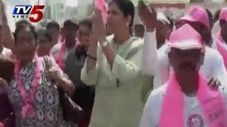 TRS Konda Vishweshwar Rao Wife Padayatra in Chevella - TV5NEWSCHANNEL
