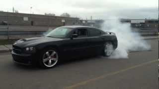dodge charger srt8 2006 burnout - YouTube