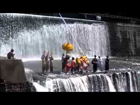 Waterfalls and Barong Dance in Klungkung Bali