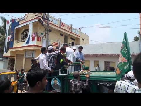 Asaduddin Owaisi at Hassan Nagar Padyatra in Rajender Nagar Constituency on 21st Apr 2014